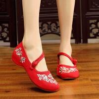2018春夏新款中国风刺绣绣花鞋古风搭配汉服布鞋低跟女鞋休闲单鞋