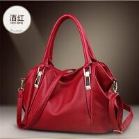 中年女包新款时尚百搭手提妈妈软皮包女士单肩斜挎容量大包包
