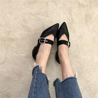 洋气早春新品尖头深V剪裁低跟复古一字带搭扣纤皮单鞋女