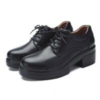 全黑色休闲上班工作鞋冬天英伦百搭厚底小皮鞋加绒厨房滑女鞋