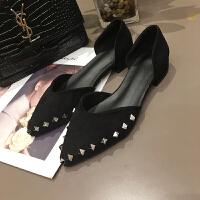网红单鞋女2019春季新款复古尖头铆钉低跟豆豆鞋ins配裙子的鞋子