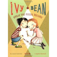 Ivy and Bean #3:Break the Fossil Record 艾薇和豆豆3:我挖到了恐龙化石 ISB