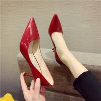 高跟鞋女2019新款时尚尖头浅口细跟漆皮高跟鞋酒红色性感气质单鞋