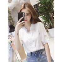 短袖衬衫女设计感小众夏装蕾丝上衣2019韩版V领洋气衬衣女仙女范 白色