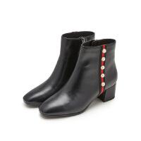 哈森旗下爱旅儿新品通勤帅气珍珠饰钻方头中跟女短靴EA71513