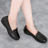 妈妈鞋真皮软底休闲单鞋女奶奶鞋坡跟平底中年老鞋中老年女鞋