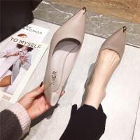 尖头单鞋女2019春季新款时尚百搭软皮镶金属尖头中跟细跟通勤单鞋