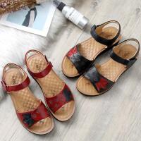 妈妈鞋凉鞋真皮软底平底中老年人女鞋子夏季新款中年舒适奶奶