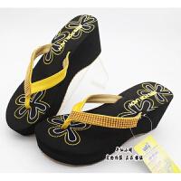 新款越南鞋平仙鞋女人字拖鞋坡跟高跟沙滩休闲串珠鞋时尚