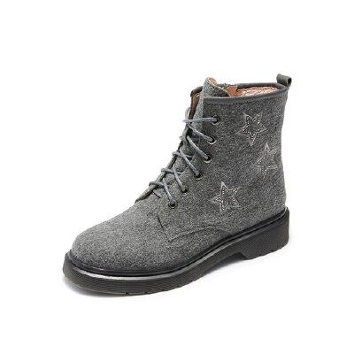 哈森旗下爱旅儿低跟时尚女鞋五角星刺绣马丁短靴EA78206