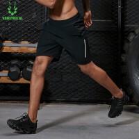 【限时抢购价】范斯蒂克 男子春夏跑步黑色梭织短裤健身抽绳腰带速干透气MBF9030
