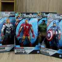 正版 孩之宝玩具 钢铁侠可动人偶 绿巨人雷神美国队长 复仇者联盟,原盒包装,适合做为男孩子的生日送礼,大气有面子!