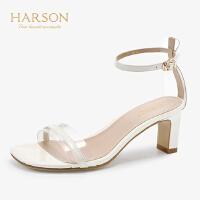 【 限时4折】哈森 2019夏季新款纯色透明色牛皮革一字带粗跟凉鞋女鞋HM92410