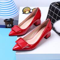 2018秋季新款低跟尖头高跟鞋红色婚鞋OL单鞋浅口漆皮中跟粗跟女鞋