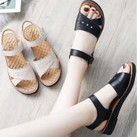 妈妈凉鞋女鞋夏季中老年平底40岁舒适中年老人奶奶防滑50软底