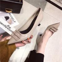 高跟鞋女2019春季新款时尚尖头浅口细跟方扣单鞋漆皮气质性感单鞋