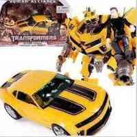 正版 孩之宝 变形金刚3 级大黄蜂+山姆 领袖联盟级人物驾驶,国孩之宝公司出品 带有一个可动小人 小人可以坐进车里做驾驶员 大黄蜂可以切换面罩 手指可以动