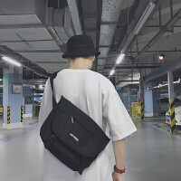 is超火的男士书包港风a青少年学生帆布斜挎包韩版单肩包潮