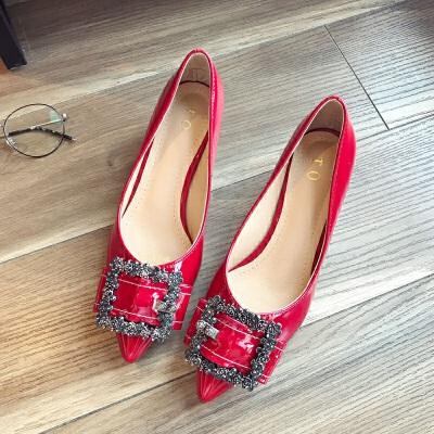 高跟鞋女2019春季新款漆皮尖头红色单鞋粗跟大码女鞋中跟婚鞋