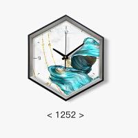 中国蓝挂钟客厅家用创意时尚现代简约石英时钟大气卧室静音钟表 19英寸