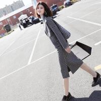 新颖潮牌小格子羊绒大衣女短款2019新款初秋冬羊毛呢外装二件套裙 黑色格子