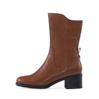 【秋冬新款 限时1折起】哈森 冬季新品女鞋牛皮革中跟短靴 圆头方跟中筒靴HA87168