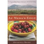 At Mesa's Edge(ISBN=9780618221264) 英文原版