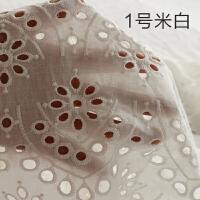 纯白色镂空蕾丝婚纱布料绣花布刺绣布时装服装面料连衣裙布料k