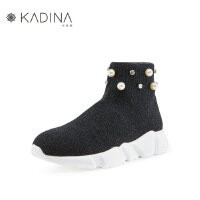 哈森旗下卡迪娜 冬季毛线针织珍珠水钻厚底休闲女短靴 KLA83512