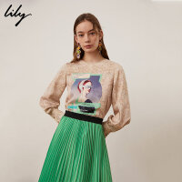 【不打烊价:160元】 Lily春新款女装复古人物印花圆领直筒衬衫套头衫119130C8209