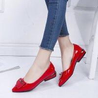 红色高跟鞋女低跟3厘米浅口尖头方扣百搭舒适红色婚鞋大码皮鞋单