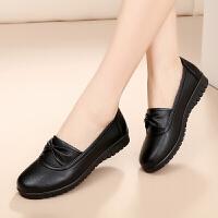 春季平底坡跟中年女士鞋子中老年人女皮鞋妈妈四季鞋单鞋43大码
