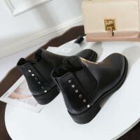 2018秋新款女靴子欧美时尚圆头中跟铆钉欧货短靴马丁靴女鞋子潮流