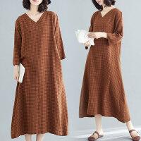 大码连衣裙胖妹妹洋气宽松减龄腰粗遮肚子时髦格子长裙潮春装新款