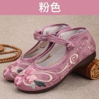 妈妈民族风绣花鞋春季透气软底滑中老年复古老北京布鞋女