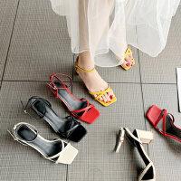 新款百搭女士凉鞋露趾一字扣带中跟凉鞋 时尚温柔chin少女高跟鞋粗跟凉鞋女