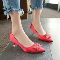 单鞋女绸缎面中跟3-5cm细跟红色婚鞋高跟鞋方扣水钻气质优雅仙女