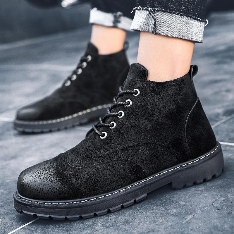 沙漠靴黑色中帮靴子短靴潮2018新款男马丁靴男秋季男士工装靴