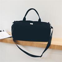 短途旅行包女手提圆筒行李包韩版大容量简约旅行袋轻便防水健身包