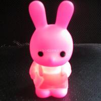 七彩长耳朵背带兔七彩小夜灯 小兔子灯新奇特七彩灯创意礼品批发