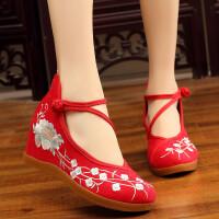 2018春夏新款中国风汉服配鞋绣花老北京布鞋高坡跟古装鞋子女单鞋