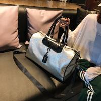 短途旅行包女手提韩版大容量出差旅游行李袋轻便男防水小健身包潮 银色