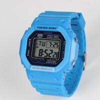 方形潮流电子表防水运动多功能数字式男表女情侣学生电子手表