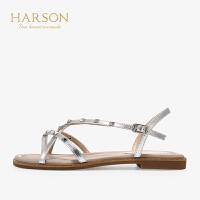 【 立减120】哈森夏季羊反绒铆钉夹趾平底凉鞋HM96026