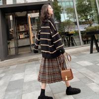 大码女装2018秋冬季新款胖显瘦遮肉洋气减龄胖妹妹网红两件套裙 黑色条纹毛衣+毛呢格子裙