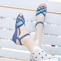夏季坡跟果冻鞋女塑料凉鞋水晶塑胶厚底防滑沙滩鞋女鱼嘴洞洞凉鞋
