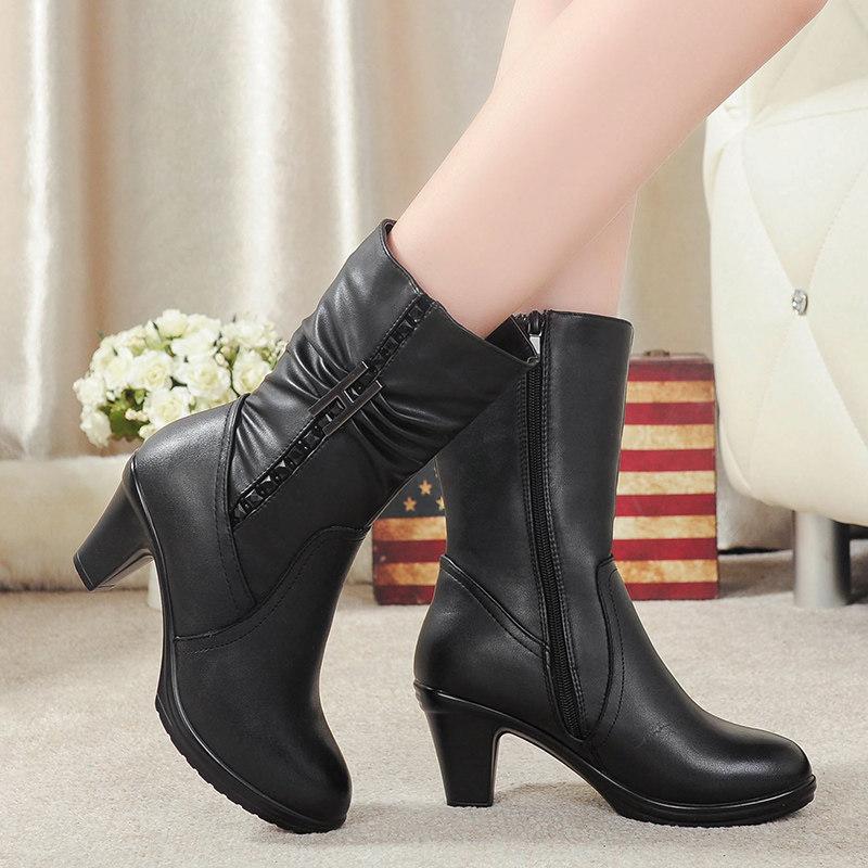 中老年人妈妈棉鞋秋冬季新款中年短靴子女鞋加绒保暖粗跟女士皮鞋