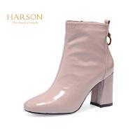 哈森 冬季羊反绒革圆头靴子女 粗跟高跟时装短靴女HA82401