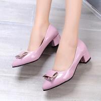 3厘米高跟鞋女低跟粗跟尖头方扣浅扣银色大码中跟单鞋工作鞋皮鞋