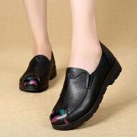 中年妇女防滑平跟女鞋老人奶奶鞋秋秋季单鞋女舒适妈妈鞋软底皮鞋